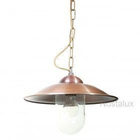 Een luxe uitziende hanglamp met een koperen deksel.Deze hanglamp wordt meestal gebruikt voor de veranda