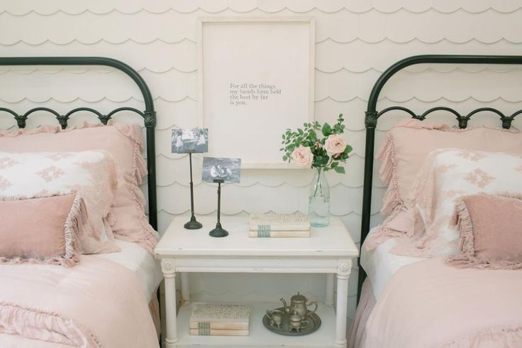 Can't wait to see what's in store for Fixer Upper's fourth season? How about a preview? Here are 50  photos to whet your appetite for what's headed your way — including detail shots highlighting some of Joanna's latest decorative stylings, exclusive behind-the-scenes pics with Chip and Jo, and something tasty from Magnolia Bakery.