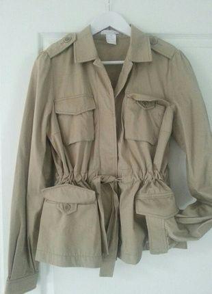A vendre sur #vintedfrance ! http://www.vinted.fr/mode-femmes/autres-manteaux-and-vestes/19888410-veste-saharienne-sable-paul-joe-sister