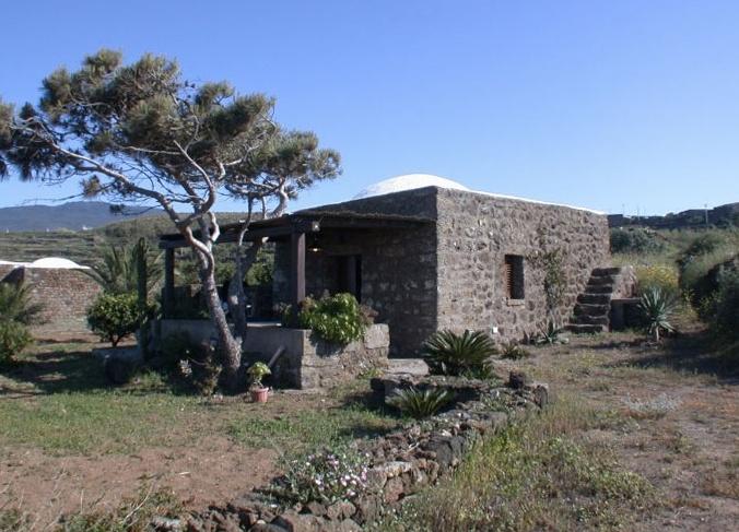 Case Di Pietra Pantelleria : Dammusi di pantelleria da affittare quest estate