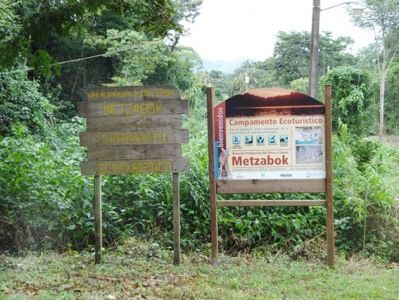 Nahá y Metzabok son dos sitios de Chiapas que se constituyeron como áreas de protección de flora y fauna para contribuir con el aprovechamiento y conservación de los recursos naturales de la Selva Lacandona. Por esta razón, a partir de este miércoles, forman parte de los tres sitios naturales de México - See more at: http://www.zonalibretapachula.com/selva-lacandona-parte-de-la-red-mundial-de-reservas-de-la-biosfera/#sthash.D3XHUoAe.dpuf