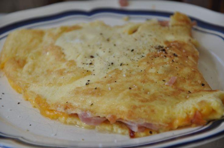 Omelet m. skinke og ost