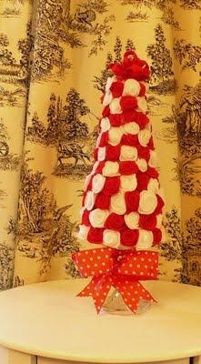 DIY Felt Rosette Christmas Tree