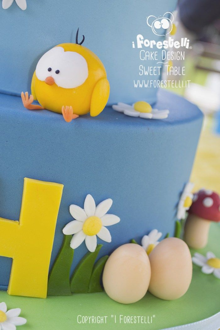 Torta di compleanno in pasta di zucchero cake design forestelli