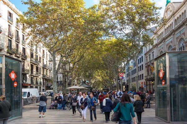 Els sis secrets millor guardats de Barcelona.    ✉ SIB pisos | www.sibpisos.com | 935199095 | C/ Secretari Coloma 121 - 08024 Barcelona    http://qoo.ly/ffikp