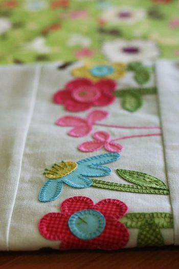 Janelle Wind applique tea-towel...darling Christmas ones in pattern too