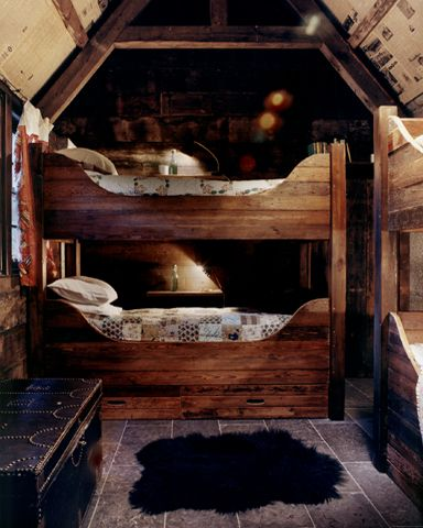 17 best images about log cabins and homesteading on for Bunkie interior designs
