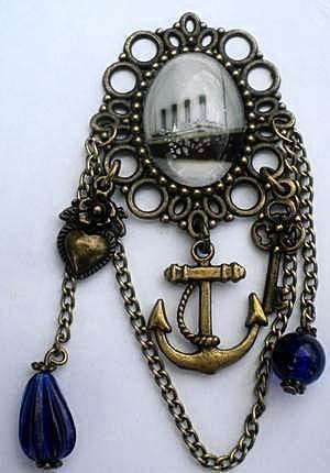 Titanic brooch