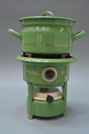 petroleumstel: mijn moeder had net zo een; in deze kleur had ze ook emmers, pannen, voorraadbussen, lepelrek, broodtrommel enzovoort