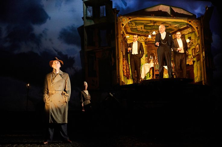 Review of An Inspector Calls at the Playhouse Theatre
