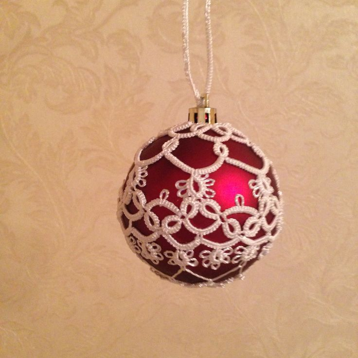 Christmas ornament frivolite