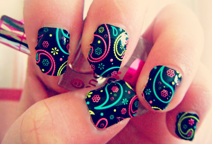 Nail wraps in 'Party Girl' by Kiss www.dolly-dowsie.blogspot.ie