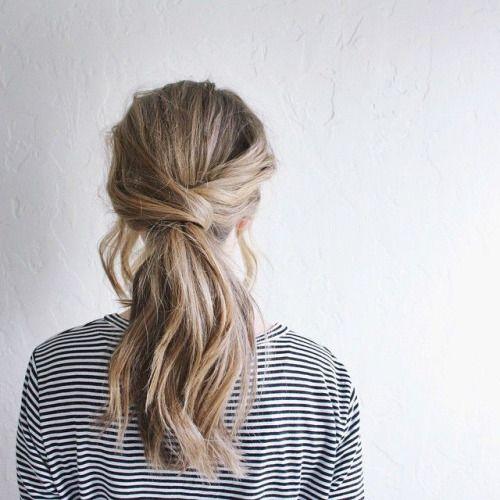 Coleta baja con detalle de pelo #pigtail #blonde -HAIR