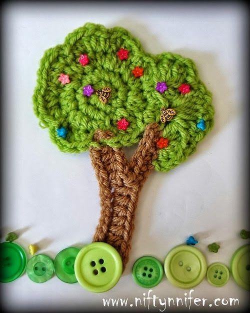 Tutorial - How to Crochet a Tree Embellishment