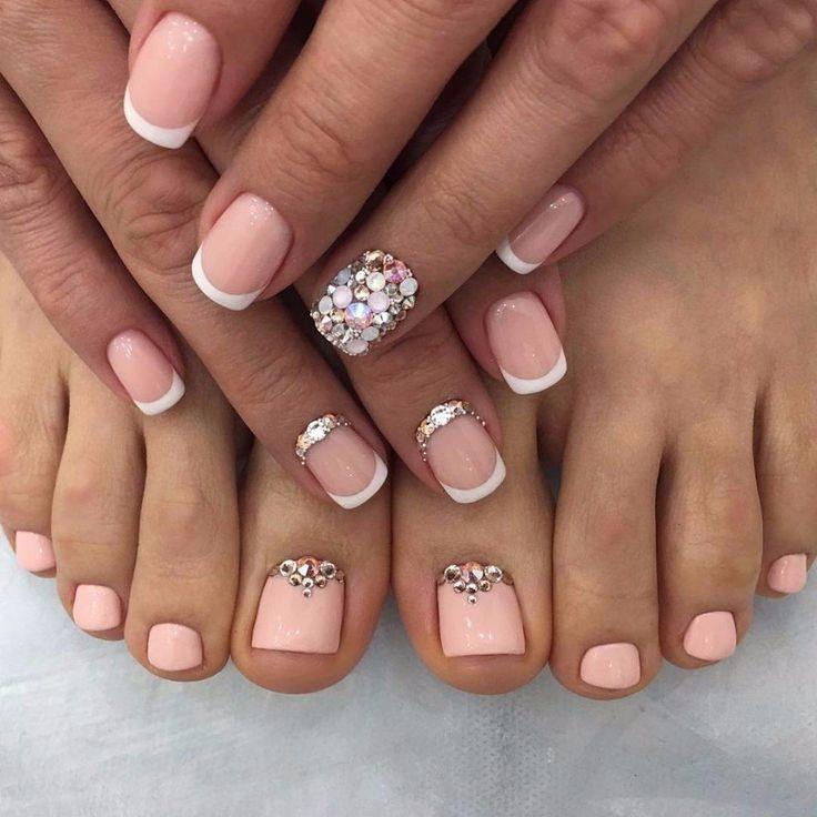маникюр и педикюр со стразами, стильные ногти дизайн ногтей, френч, nails design art