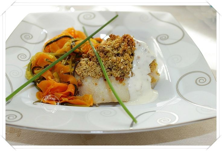 Dos de cabillaud crumble de pistaches et gingembre, tagliatelles de carottes au miel , spaghettis de