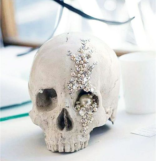 halloween weddings skulls decorations   19 Halloween Wedding Ideas That Aren't Cheesy