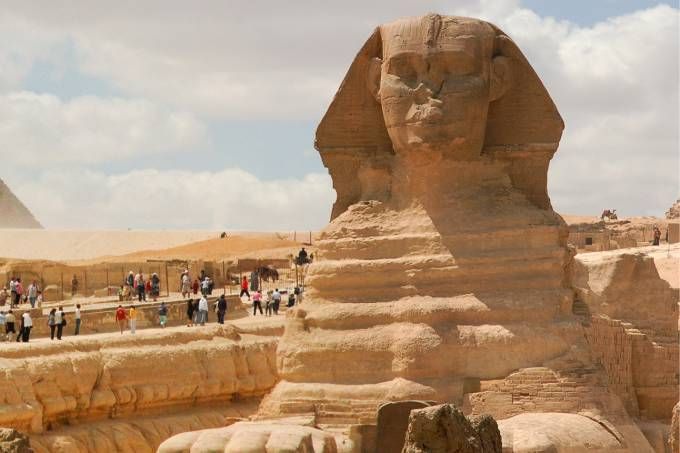 Quem é a pessoa retratada na Esfinge do Egito? Como seu nariz quebrou?