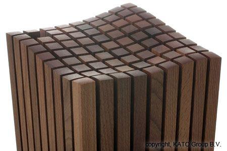 Wusthof designmessenblok voor 12 artikelen: Design messenblok met plaats voor 12 messen van verschillende lengte en breedte en een aanzetstaal. Dankzij de