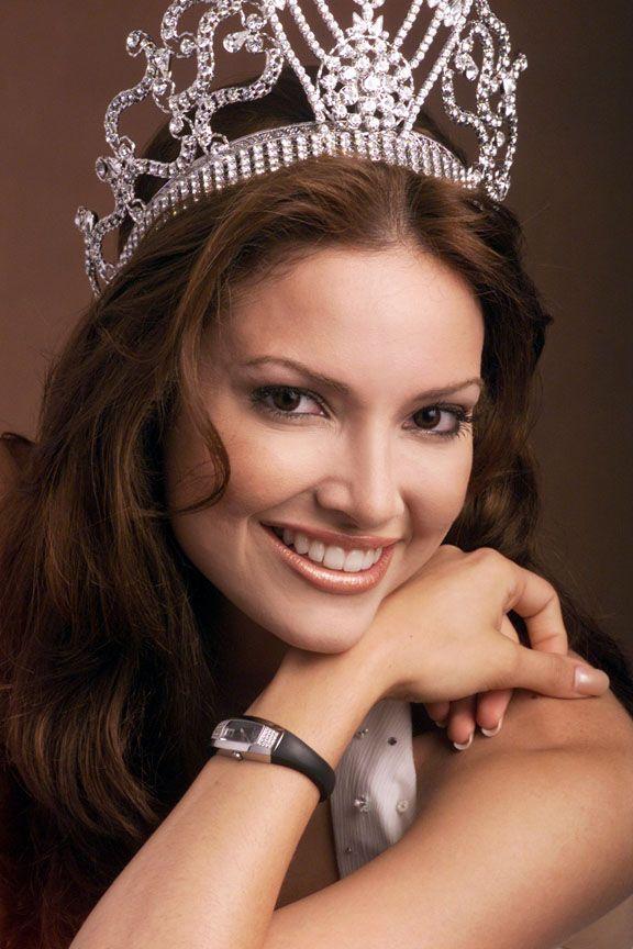 Miss Universo 2001 Denise Marie Quinones- Portorico- attrice, nata il 9 settembre 1980.