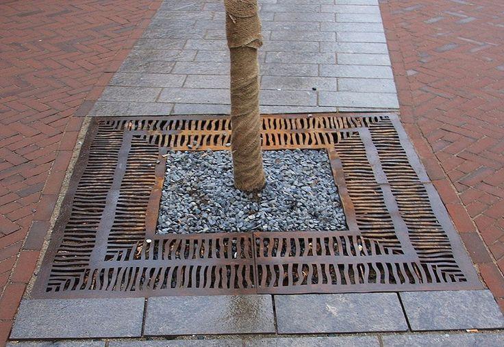 Cor ten steel tree grate zenne buro oog design for Buro water street