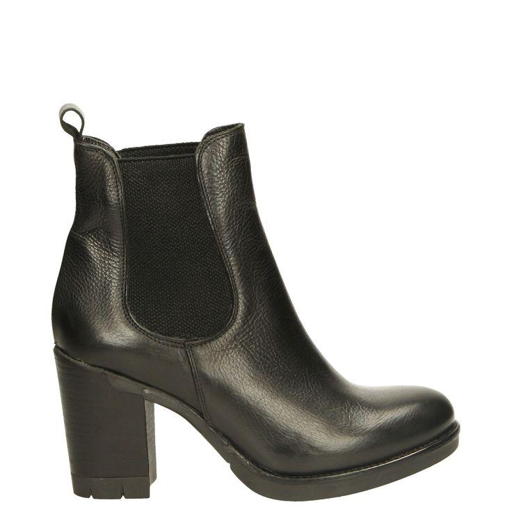 Venezia – firmowy sklep online. Markowe buty online, obuwie damskie, obuwie męskie, torby damskie, kurtki damskie