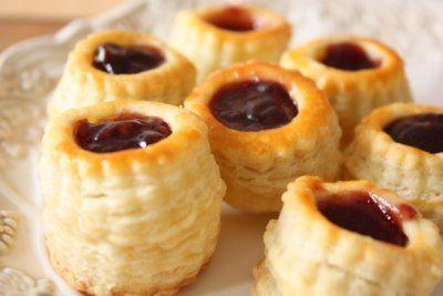 Cherry on a Cake: JAM-FILLED SHELLS - THIMBLE TARTS