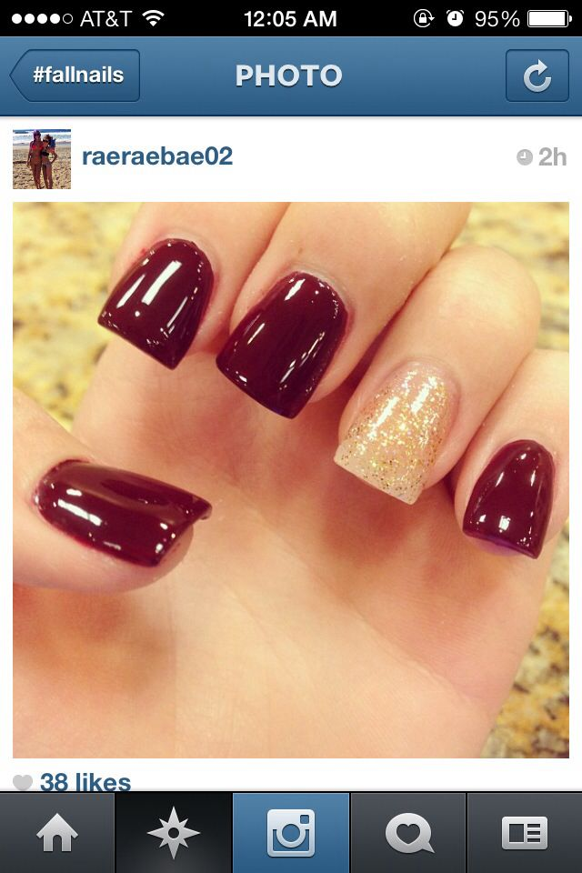 Love these maroon nails