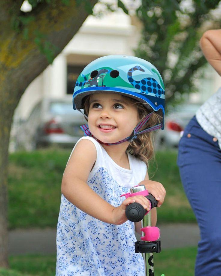 Micro Safety Helmet: Scootersaurus
