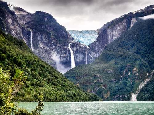 The hanging glacier at Parque Nacional Queulat, on a cloudy day