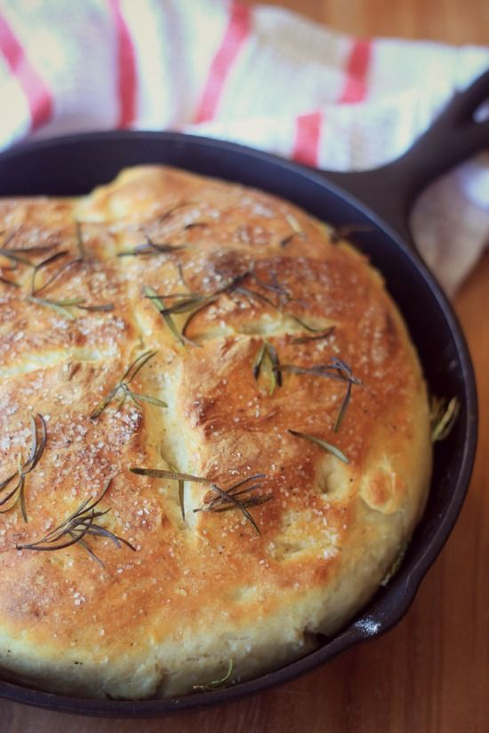 Easy No-Knead Skillet Bread - All ingredients are just stirred together, allowed to rise, then baked in a skillet. Perfectly crusty on the outside and fluffy on the inside and incredibly easy to make!