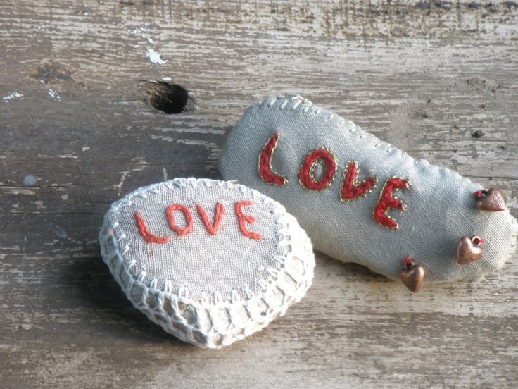 20% Off- Natural Wedding Favors Inspirational  Decor Romantic Shabby Chic Wedding Ring Bearer pillows Alternative Crochet Lace Stone Wedding Favors Natural Wedding Wedding Decor Inspirational Decor Romantic Decor Shabby Chic Wedding Ring Bearer Pillow Love Rustic wedding Decor Linen decor Lace Stone crochet lace stone love stones 48.00 USD #goriani