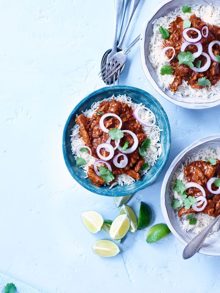 This recipe for cheat's chicken mole uses a clever product to mean it's ready in less than an hour and is under 300 calories – perfect for a midweek treat.