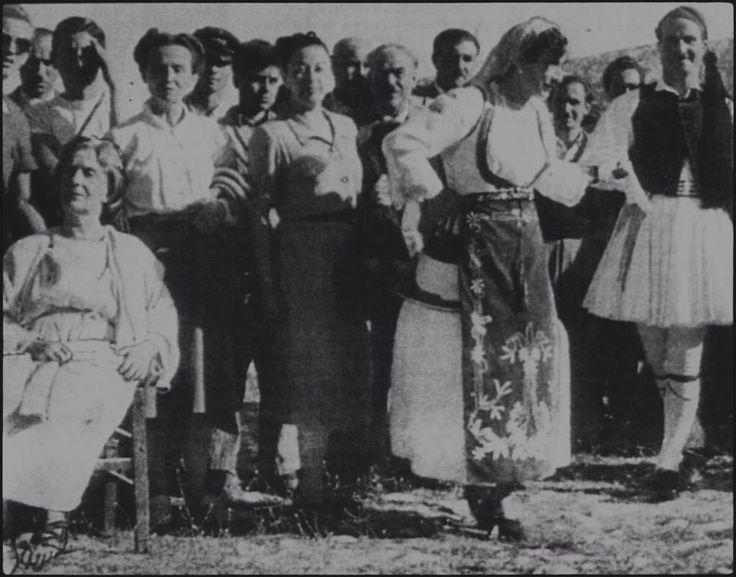 Η Ευα Πάλμερ-Σικελιανού στην Αράχωβα.