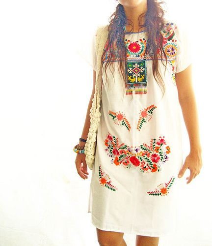 embroidered mexican dress #clothing #chic  #mexico