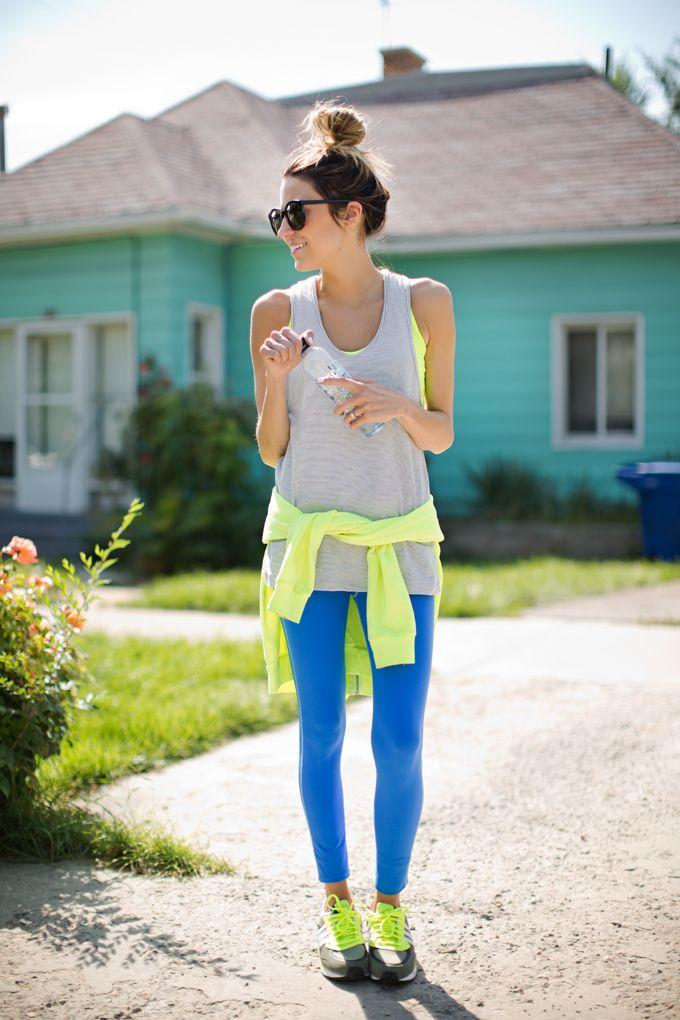 Déjate seducir por su encanto y aprende a lucir los leggings de forma adecuada.
