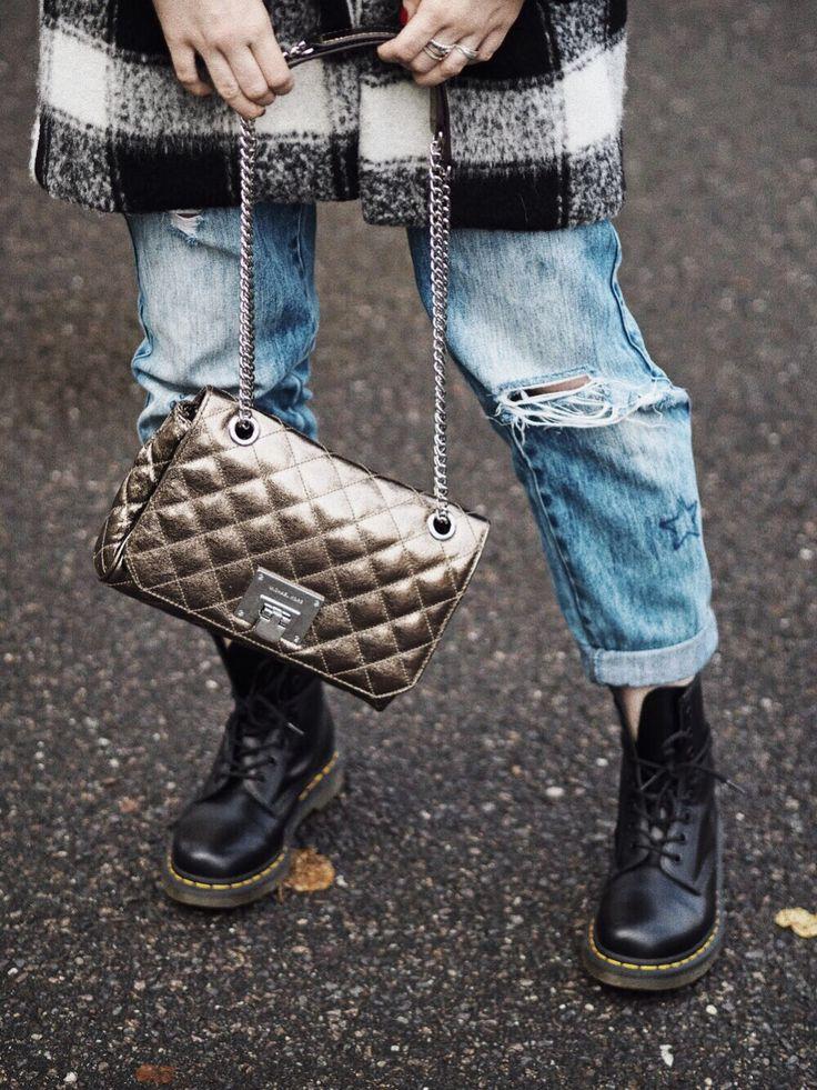 Herbstoutfit, Doc Martens, Look, Fashion, Autumn, Fashion blogger, Fotografie, Blog, Blogger, Mode, Boyfriend Jeans, Michael Kors, gold, Gingham, Stil