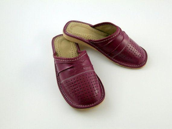 Pantoufles en cuir belle pour femmes par LinderoSlippers sur Etsy