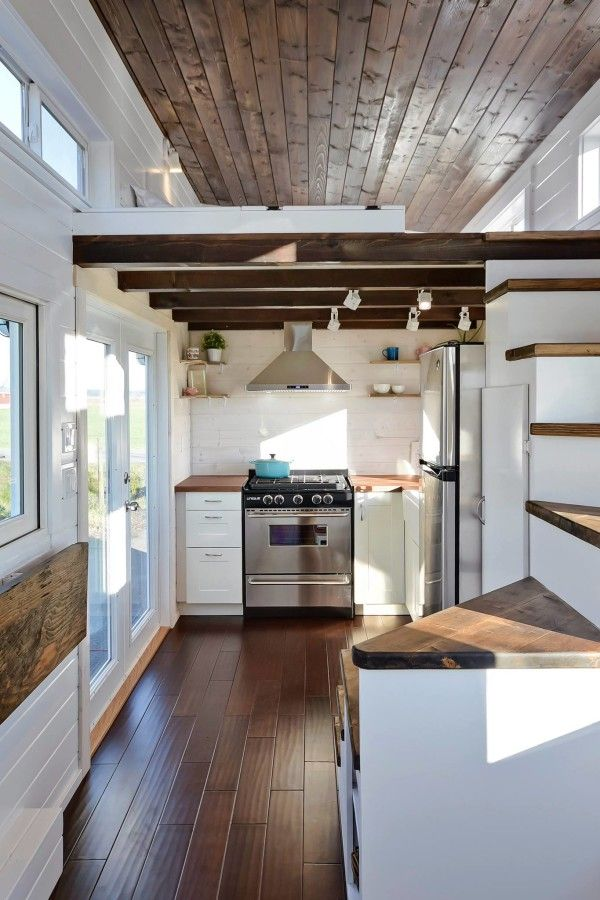 39 Big Kitchen Interior Design Ideas For A Unique Kitchen: Tiny House On Wheels W/ Big Kitchen And Double Sink Vanity