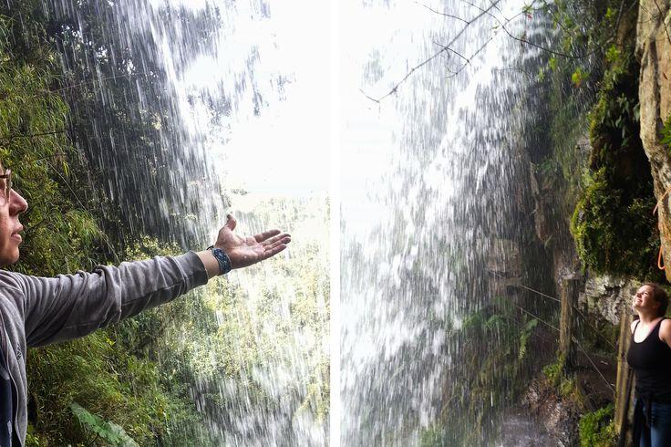 Travel to a Pocahontas waterfalls only one hour from Bogotá. Waterfall El Chiflón in Choachí, Cundinamarca | Latinamerikaliv