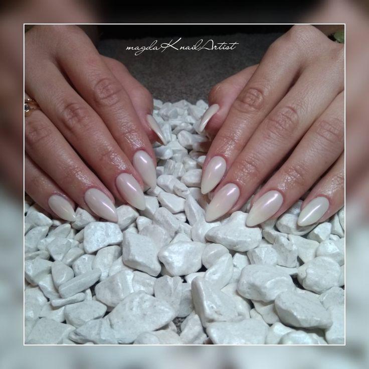 #acrylicnails #almondnails #longnails #shell #shellpowder #milkynails #magdaKnailArtist