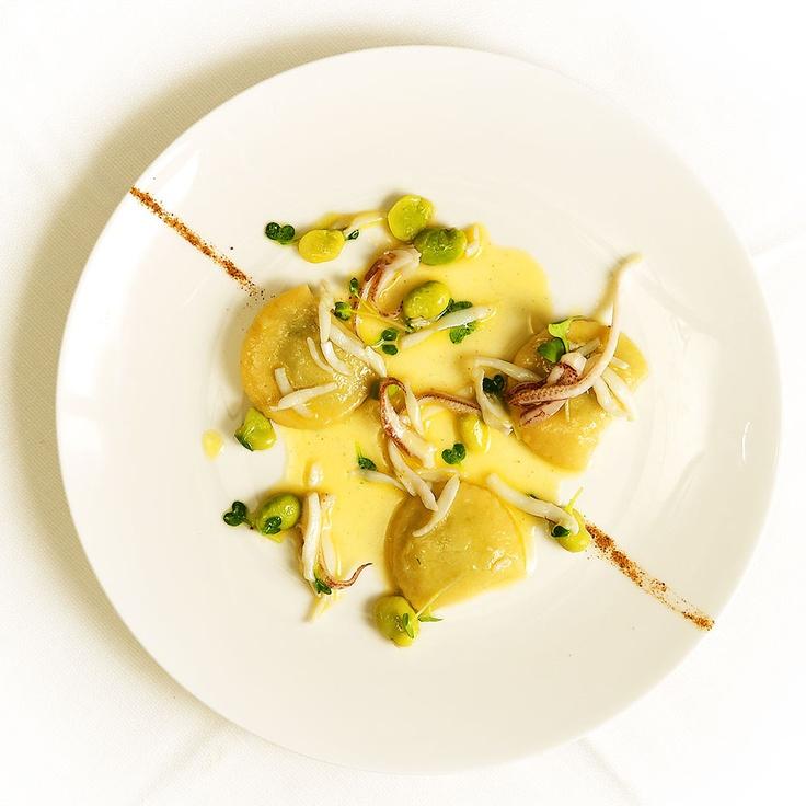Ravioli di patate con ricotta alle erbe fave e calamari. Photo by Keepintouch/Nicola Romani.  #caffegaribaldi #keepintouchsrl