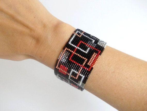 Perline nero bianco rosso e grigio bracciale di DiDecor su Etsy