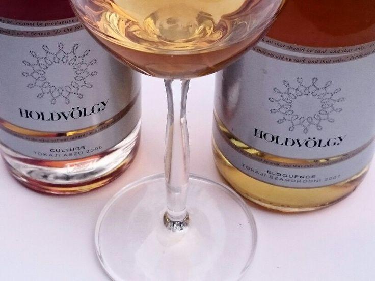 #Holdvölgy Culture 6 puttonyos tokaji Aszú and Eloquence tokaji szamorodni  Foto: @jeszyagi  #tokaji #aszú #wine #vino #winelover #winetasting #instawine #drink #winery  #hungary  #tokaj  #winesofinstagram #hungarianwine #tokajiaszu #glass  #wineonmytime  #whitewine #wineglass #winephoto  #winestagram #vin  #wineclub #winelove #sommelier #winephotography #viini #winetime  #somm #dessertwine