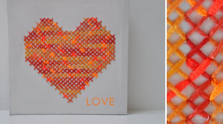 Maak je eigen home-deco. Borduur eens met een dikker garen op canvas. Lees meer op onze blog!