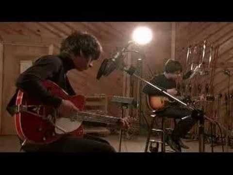 The Last Shadow Puppets (Alex Turner and Miles Kane) - Meeting Place (acoustic). Great Song.