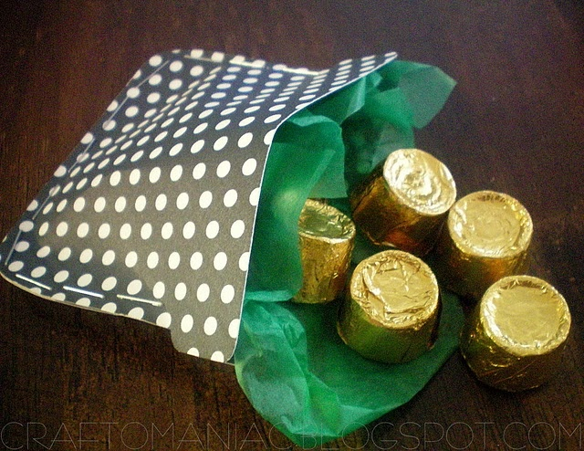 Great idea for St Patricks day.  Next year!!: Pot Of Gold, St. Patties, Gifts Ideas, Kids Treats, Sweet Pots, St. Patrick'S Day, Pots Of Gold, Crafts O' Maniac, Stpatrick