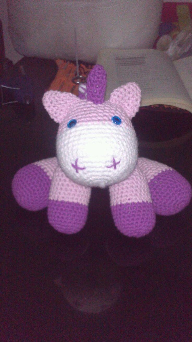 Pequeño bebe Unicornio Amigurumi - Patrón Gratis en Español aquí: http://crocheteandoconimaginacion.blogspot.com.ar/2014/04/pequeno-bebe-unicornio.html