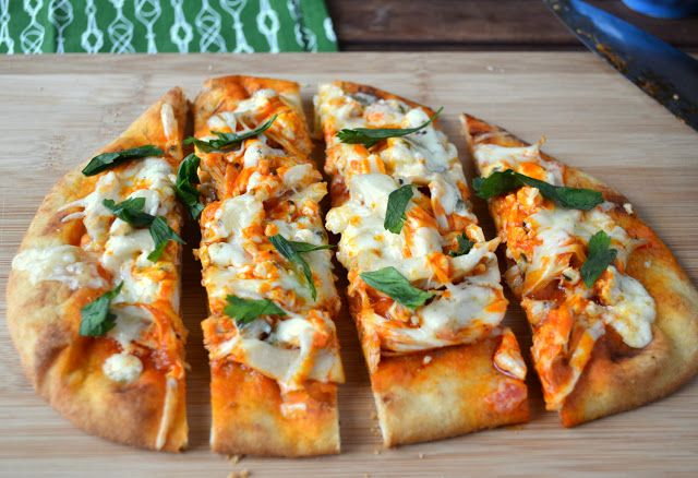 Buffalo Chicken Flatbread Pizza recipe.. a few little changes and it's clean :)