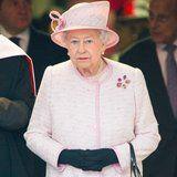 La reina Isabel II Ofrece Sus Condolencias a las Víctimas del Huracán Harvey